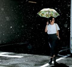 梅雨は進化したレインシューズで乗り切る