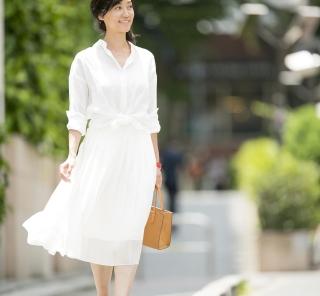 夏はオール白で涼しげスタイル!真夏の40代SNAP・july⑨