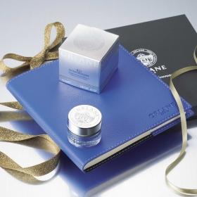 ストーリィ創刊15周年記念Special どどーんと700名様に早めのXmasプレゼント