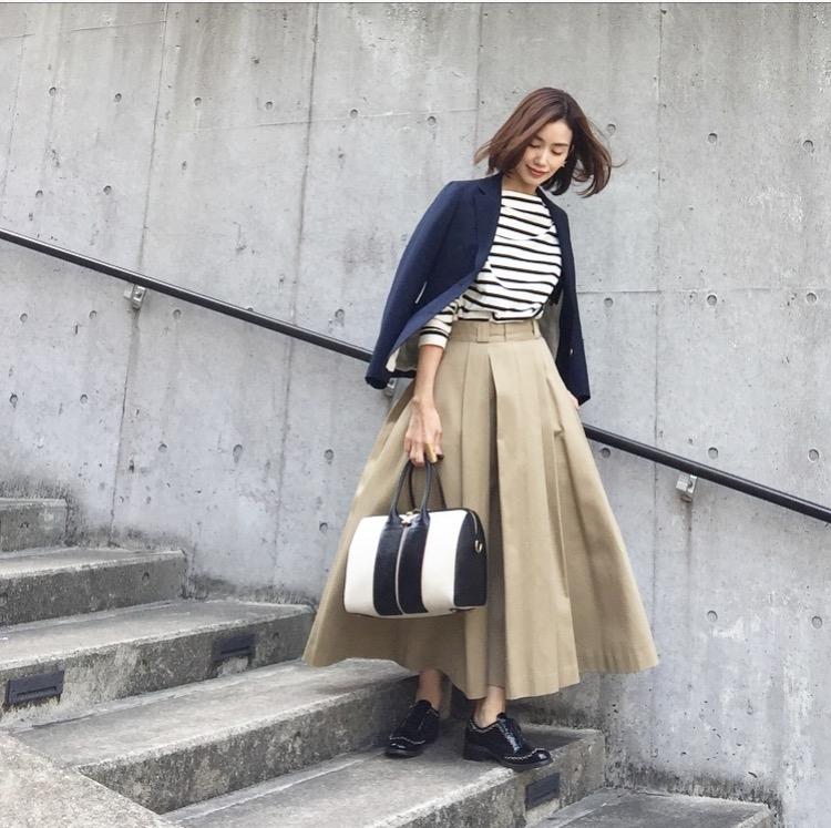 春アウターと合わせるスカートコーデ コーデ3. ジャケット×ロングスカート