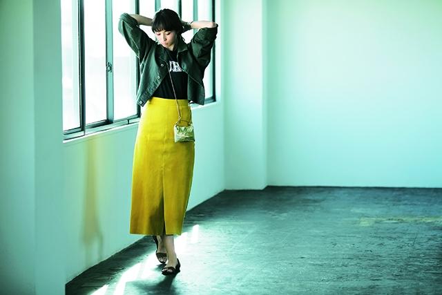 【Gジャン】コーデ チラリと脚を感じるスリットスカートとも好バランス