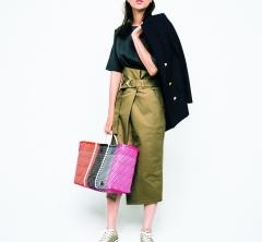 8/27 Mon. Tシャツ+スカートの定番夏服も【ジャケット】1枚でほんのり秋仕様に