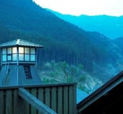 時を忘れるほどに寛ぎ夢中になる。山峡の湯治宿「古湯温泉ONCRI/おんくり」