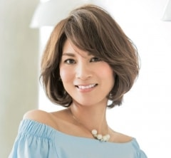 【40代の毎日ヘアスタイル】女らしく見える丸みショートヘア