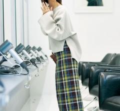 【流行チェックスカート】は体型カバーも叶うスカートで取り入れるのが40代的発想[12/26 Wed.]