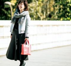 【街のオシャレ40代SNAP!March⑨】ボリュームスカートはカジュアルアウターで抜け感を