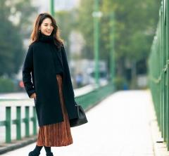 【街のオシャレ40代SNAP!February13th】アウターはシンプルに、印象的なスカートを生かして