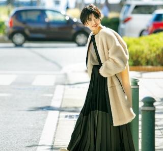 【街の40代オシャレSNAP!February③】ちょいモードなバイカラースカートを主役に