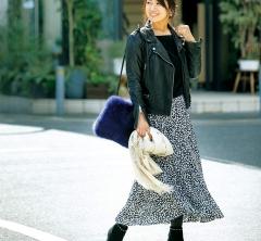 【街のオシャレ40代SNAP!March⑩】ライダースが旬のスカートをハンサムに