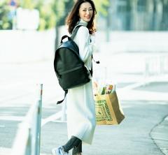 休日のホムパ買い出しは【ニットワンピ】×デニムの楽ちんスタイルで[2/11 Mon.]
