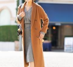 【街のオシャレ40代SNAP!January⑧】ロングコートはあえての生足で抜け感を