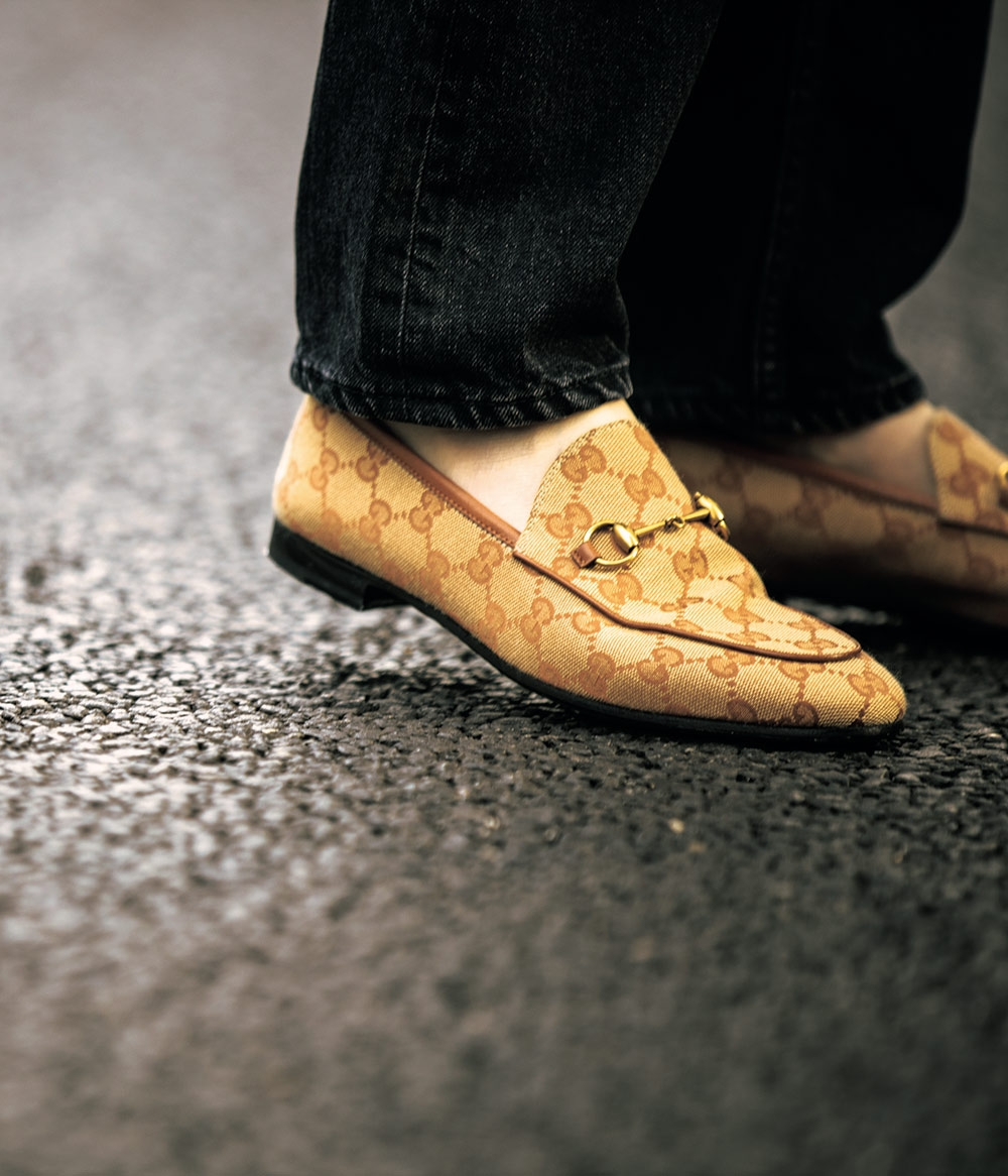 楽だからじゃない、40代からは \u201c意志ある\u201d「ぺたんこ靴」選び