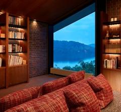 「読書するためのホテル」がコンセプトの野尻湖ホテル エルボスコ