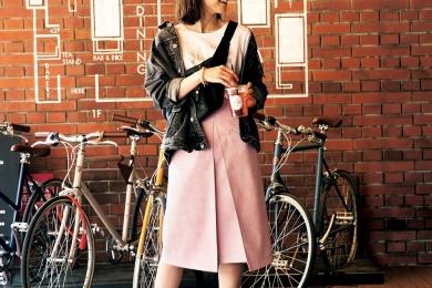 【ダッドスニーカー】を履いた今年っぽい自転車コーデでお気に入りのカフェへ[5/10 Fri.]