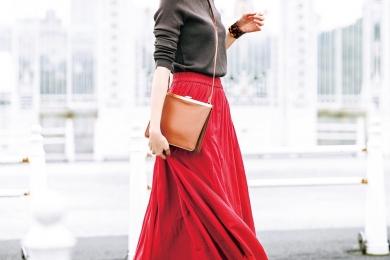 大胆な赤スカートでテンションあげて、いつものお稽古へ![5/24 Fri.]