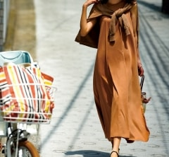 【スリット入りワンピース】なら自転車に乗る時の足さばきも抜群![7/11 Thu.]