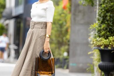 【街のオシャレ40代SNAP!June⑫】リネン素材と小物で旬を取り入れたキレイめスタイル