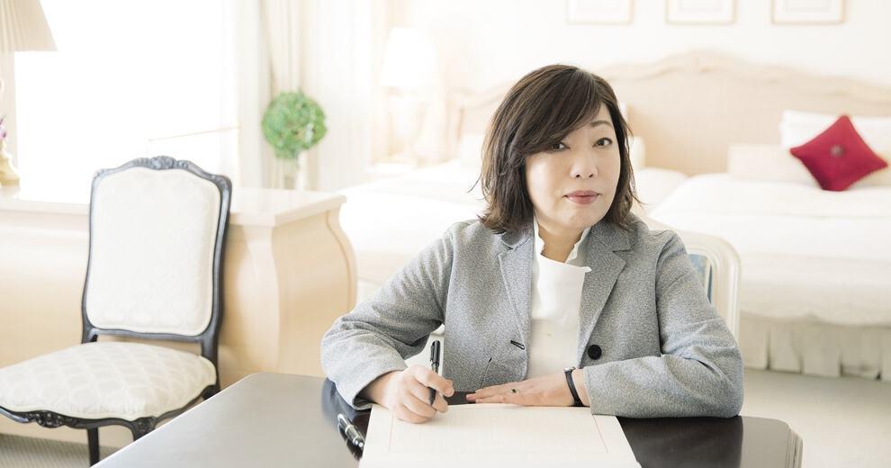 林真理子さん 本誌連載発エッセイ本『女はいつも四十雀しじゅうから』刊行記念インタビュー