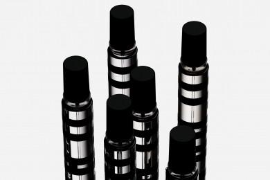 YOHJI YAMAMOTO PARFUMSより、Yohji Yamamotoの価値観とブランドのDNAを体現した香りのコレクションが発売します!