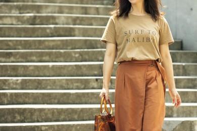 【街のオシャレ40代SNAP!September14th】茶系のTシャツコーデで秋を先取り!