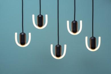 部屋の印象を変えるオブジェのような照明