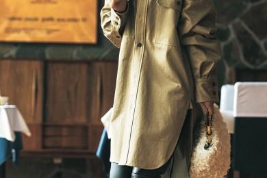レギンス代わりの【エコレザーパンツ】は40代がちょうどよくモードになれる![10/24  Thu.]