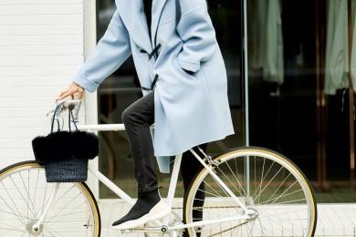 【スニーカーブーツ】で自転車に乗って近くのパン屋さんまで♪[11/9 Sat.]