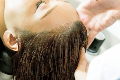 傷んだ髪&頭皮のメンテナンスにおすすめ!美髪を叶えるヘッドスパサロン4選【東京】