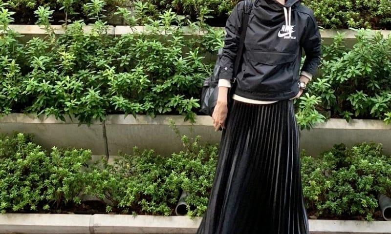 武藤京子ブログ「スポーツアイテムを プリーツスカートで中和(!?)」