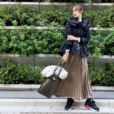 武藤京子ブログ「あまり寒くなくて 軽アウターが活躍な 先日のお洋服」