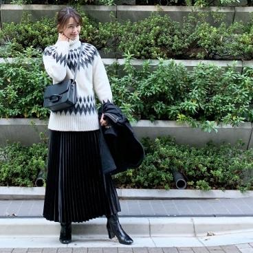 武藤京子ブログ「大人ノルディックニットを着て 行った所は カラオケ」
