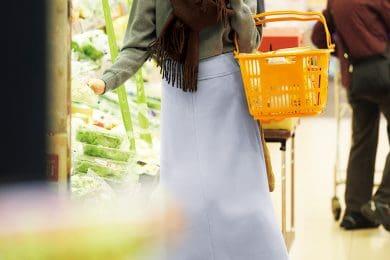 地元のスーパーでも、ちょっぴりオシャレに【サックスブルーのスカート】で![2/20 Thu.]