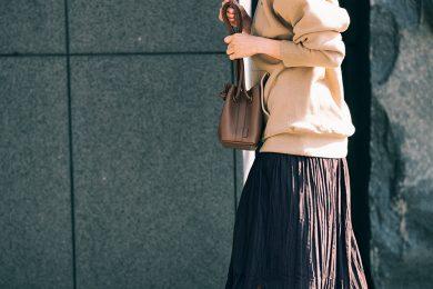 日曜のお出かけは大人色【パーカ】で定番スカートを新鮮に見せて[2/16 Sun.]