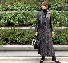 武藤京子ブログ「ドット柄スカートで 甘辛モノトーンコーデ」