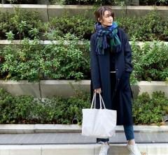 武藤京子ブログ「NAVY×WHITE ストールで 顔回りを華やかに」