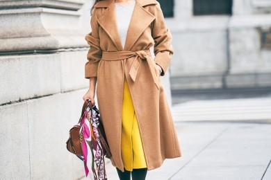 【街のオシャレ40代SNAP! January③】カラースカートをコートから覗かせるといいポイントに