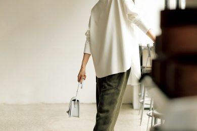 お尻側が長い【前後差トップス】は、40代の体形カバーにぴったり![3/21 Sat.]