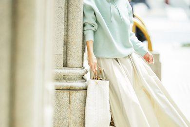 【大人パーカ】×【ロングスカート】の春らしいカラーコーデでリラックス[3/17 Tue.]
