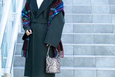 【街のオシャレ40代SNAP!Feb19th】洗練された大人女性が似合う、リュクスなムード溢れるコート