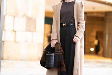 【街のオシャレ40代SNAP!Feb25th】服装を上品に見せてくれるのは、やはり綺麗なベージュコートでした