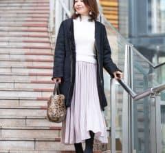 【街のオシャレ40代SNAP!Feb24th】春色コーデ+冬小物で、季節先取りのおしゃれを楽しむ