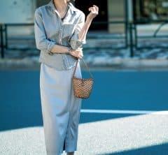 光沢スカートを使った【グレーのワントーン】なら、シンプルなのに女っぽい[4/19 Sun.]