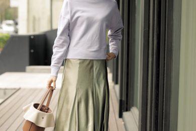 立体感で痩せ見え【ツヤスカート】は今季買うべきトレンド服No,1![5/8 Fri.]