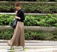 武藤京子ブログ「シンプルなお洋服のポイントに AIRMAX90」