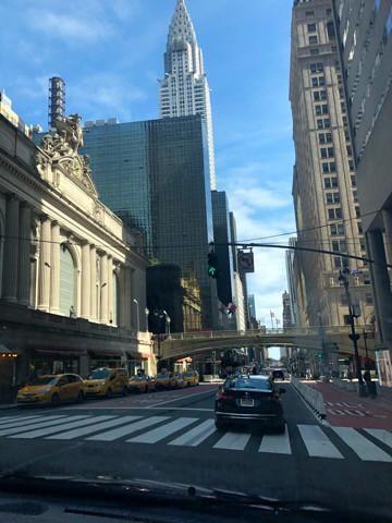 ロックダウン直前のマンハッタンを車で通過した時の写真です。いつものマンハッタンが戻ることを皆願っています。