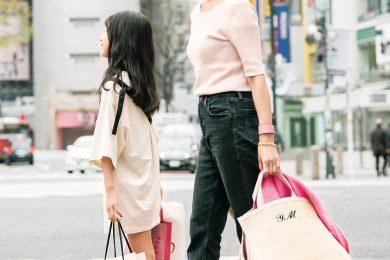【街のオシャレ40代SNAP!June11th】ZARAの黒デニムとピンクは相性抜群!