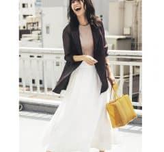 白スカートに合わせたのは、秋になってからもずっと使える【茶色ジャケット】[8/26 Wed.]