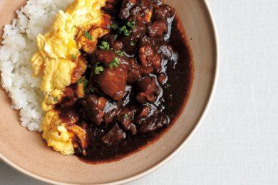 無印良品で買える本格派の味!牛肉の赤ワイン煮丼【簡単!夏休みのお昼ご飯レシピ】