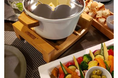 自宅で楽しく美味しくフォンデュ! オランダ生まれの電気調理鍋を試してみた|話題のアレ、試し隊!