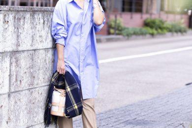 体型カバーもオシャレ感も1枚で得られる「ロングシャツ」って重宝|STORYライター、秋のワンツーコーデSNAP!